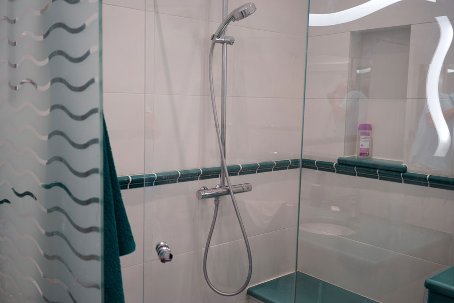 Shower: House French Riviera